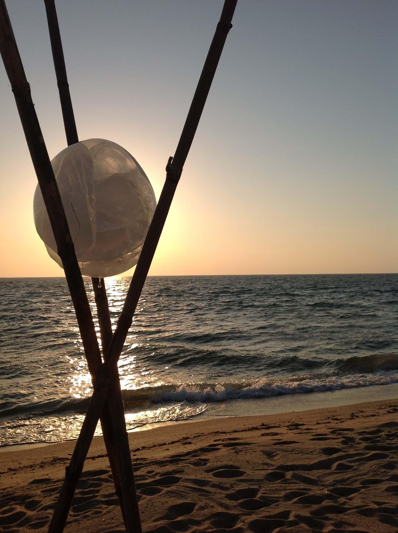 Bien connu Quando un'opera d'arte dura il tempo di un tramonto, sul mare  ID26