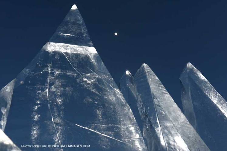 Ice Skyline, art installation by Marco Nones - photo Pierluigi Orler - Dolomiti Unesco RespirArt