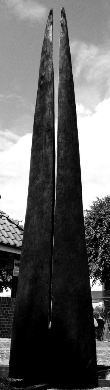 Obelisco for Horsten 6° Internationales BildhauerSimposium by Marco Nones bn