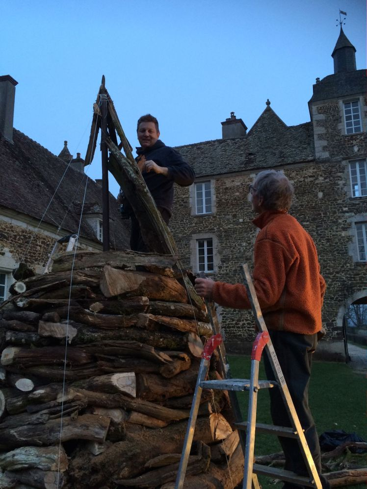 Work by night Marco Nones - Sergio Ravelli Chateau De Ratilly art installation