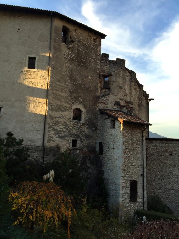 Castel Pietra a Calliano di Torbole mostra Arte in Pietra