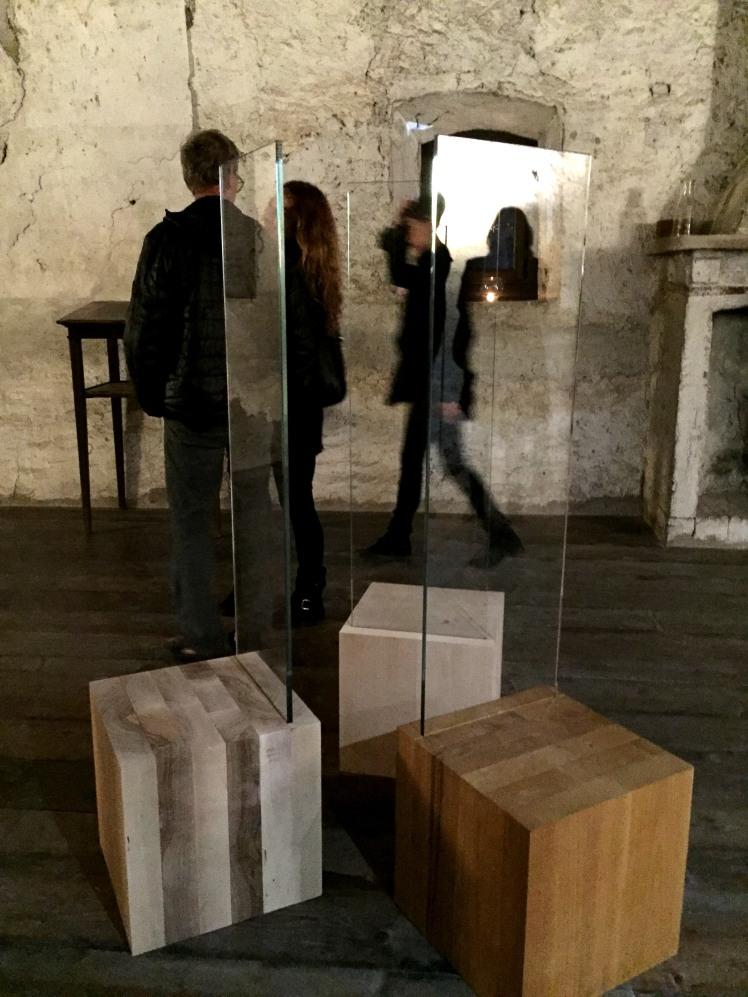 Troni FIDATI di Marco Nones alla mostra Arte in Pietra di Castel Pietra in Trentino